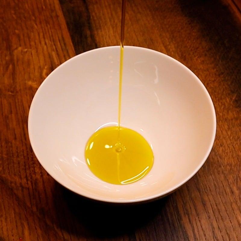 Olivenöl Schüssel